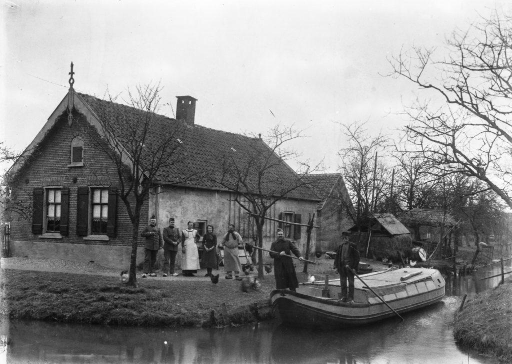 Familiportret met een trekschuit - Driebergen Rijsenburg